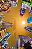 Times Square, gekennzeichnet mit Broadway-Theatern und großer Anzahl von stockfotografie