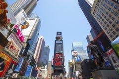 Times Square, gekennzeichnet mit Broadway-Theatern und lebhaften LED-Zeichen, New York City, USA lizenzfreie stockfotografie