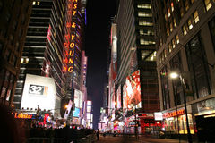 Times Square, la vie de nuit de rue de New York le 1er janvier 2008, nouveau Yo Images libres de droits