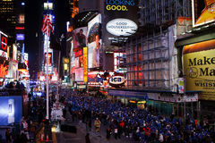 Times Square-Massen Lizenzfreies Stockfoto