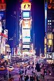 Times Square na noite Fotos de Stock Royalty Free