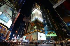 Times Square na noite, New York City Fotos de Stock