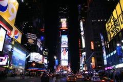 Times Square nachts Lizenzfreie Stockfotografie