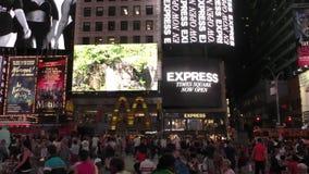 Times Square New York City na noite vídeos de arquivo