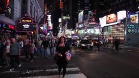 Times Square New York i natten arkivfilmer