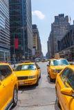 Times Square Nowy Jork taksówki żółty światło dzienne Zdjęcia Royalty Free