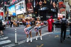 Times Square nudo dei cowgirl Fotografie Stock