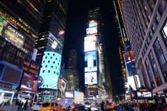 Times Square på natten, New York City Arkivfoton
