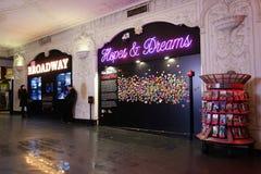 Times Square que desea la pared Imagenes de archivo