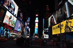Times SquareNew York noc Royaltyfri Fotografi