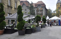 Timisoara, Czerwiec 21st: Zwycięstwo kwadrata taras w Timisoara miasteczku od Banat okręgu administracyjnego w Rumunia Obrazy Stock