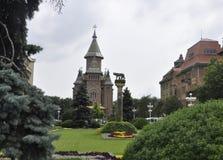 Timisoara, 21 Juni: Orthodoxe Kathedraal en Capitoline Wolf Statue in Timisoara-stad van Banat-provincie in Roemenië Stock Afbeeldingen