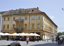 Timisoara RO, στις 22 Ιουνίου: Ιστορικά κτήρια από το τετράγωνο ελευθερίας στην πόλη Timisoara από το νομό Banat στη Ρουμανία Στοκ Φωτογραφίες