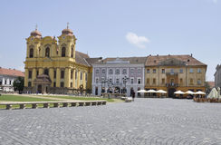 Timisoara RO, στις 22 Ιουνίου: Ρωμαίος - καθολικός καθεδρικός ναός θόλος-Αγίου Geoge από το τετράγωνο ένωσης στην πόλη Timisoara  Στοκ φωτογραφία με δικαίωμα ελεύθερης χρήσης