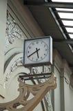 Timmar på stationen Royaltyfria Foton