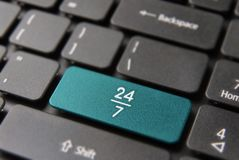 24/7 timme alltid öppet tjänste- datortangentbord Royaltyfri Bild