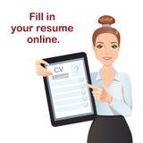 Timme-chefen hyr en professionell för positionen, hållande minnestavla med online-formCV royaltyfri illustrationer