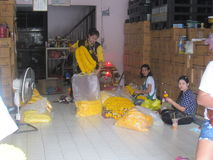24 timmeblommamarknad i Bangkok Arkivfoto