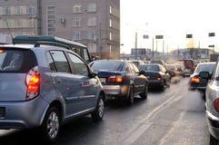 timmen rusar trafik Royaltyfria Foton