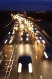 timmen rusar trafik arkivbilder