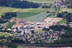 Timmerbransch i Villach-Fürnitz, Österrike Arkivbilder