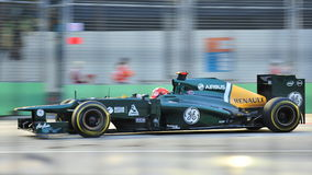 Timo Glock racing in F1 Singapore GP Royalty Free Stock Images