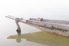 Timone della barca di fila, crogiolo di pagaia, battello pneumatico Fotografie Stock Libere da Diritti