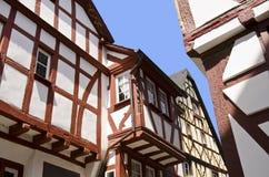 timrade half hus Arkivfoto