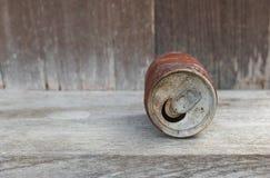 Tin Cans in de Woestijn Stock Foto