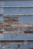 Tin Siding rouillé sur le vieux grenier photos stock