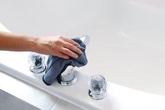 Tina de baño de la limpieza Imagen de archivo libre de regalías