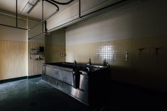 Tina de la hidroterapia del acero inoxidable del vintage - Sweet Springs - Virginia Occidental abandonados Fotografía de archivo libre de regalías