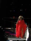 Tina Turner in tensione nel concerto di Praga Immagini Stock Libere da Diritti