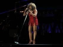 Tina Turner in tensione nel concerto di Praga Fotografia Stock Libera da Diritti