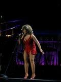 Tina Turner in tensione nel concerto di Praga Immagine Stock