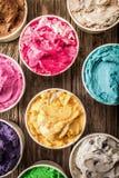 Tinas coloridas de helado italiano Imagen de archivo libre de regalías