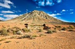 Tindaya berg, Fuerteventura, Fotografering för Bildbyråer