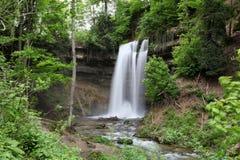 Tine de Conflens-waterval (Zwitserland) in de Zomer Royalty-vrije Stock Afbeeldingen