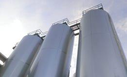 Tini di fermentazione della fabbrica di birra Fotografie Stock