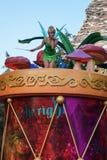 Tinkerbell na parada da fantasia de Disneylândia Fotografia de Stock Royalty Free
