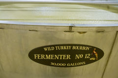 Tino interno di fermentazione alla distilleria selvaggia della Turchia Bourbon fotografie stock