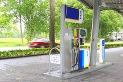 TinQbenzinestation in het platteland, Nederland Stock Fotografie