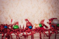 tinsel τα Χριστούγεννα διακοσμούν τις φρέσκες βασικές ιδέες διακοσμήσεων Στοκ φωτογραφίες με δικαίωμα ελεύθερης χρήσης