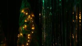 Tinsel Χριστουγέννων και χριστουγεννιάτικο δέντρο οικολογικός ξύλινος διακοσμήσεων Χριστουγέννων φιλμ μικρού μήκους