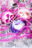 Tinsel Christmas-bal royalty-vrije stock foto