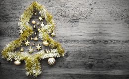 Tinsel Christmas Tree, spazio della copia, Gray Background Fotografia Stock