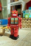 Tinstuk speelgoed robot Stock Afbeeldingen