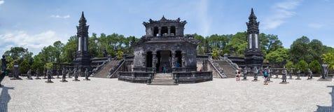 Tint, Vietnam - circa Augustus 2015: Panorama van Keizerkhai dinh tomb in Tint, Vietnam stock foto