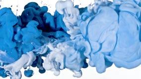 Tinta branca e azul na água Fotos de Stock Royalty Free