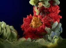 Tinta subaquática multicolored fotos de stock royalty free
